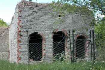 Horizontal Engine House